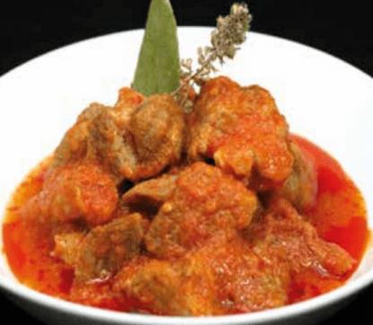 Carne saludable con tomate
