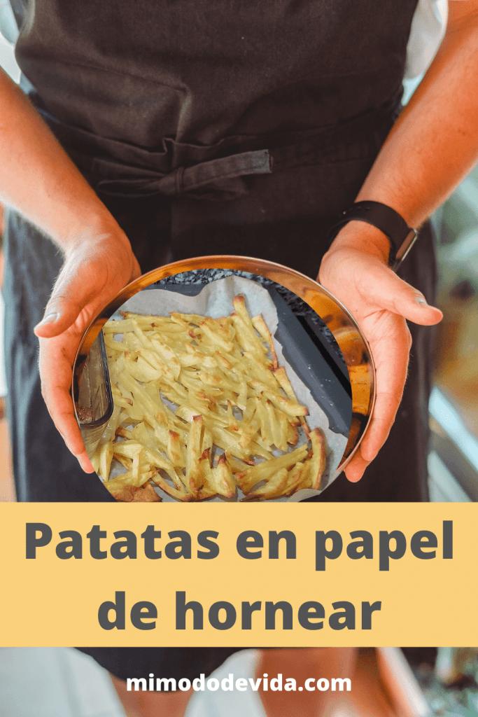 Patatas sin aceite en papel de hornear